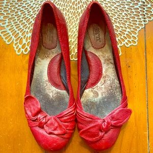 Born shoes- red bow leather flats- size 8
